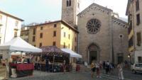 Como piazza San Fedele, foto Ibis